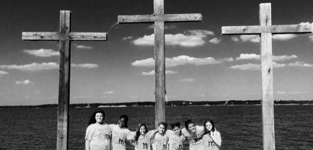 HomeSlider_0002_cross pic. black.white.